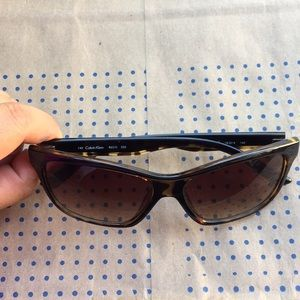 Calvin Klein tortoise R637s  sunglasses